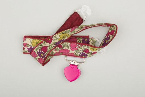 Jart'elle liberty Poppy & Daisy fond rouge foncé pince cœur rose