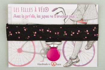 Jart'elle fleurettes roses sur fond noir pince rose