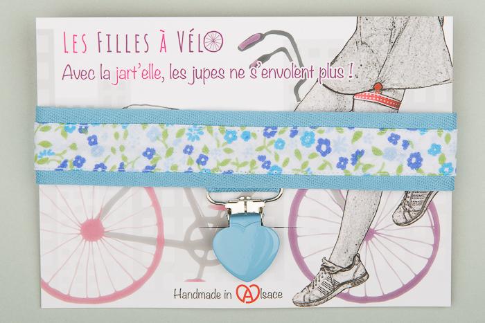 Jart\u0027elle fleurs pastel fond et pince bleu ciel
