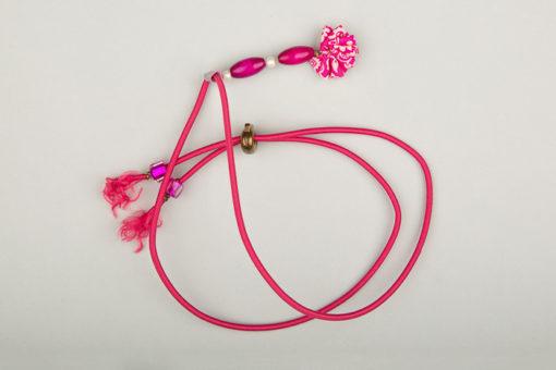 Pantastic rose fushia, perles de bois et fleurette Liberty