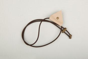 Pantastic marron déco cuir clair triangle et clou