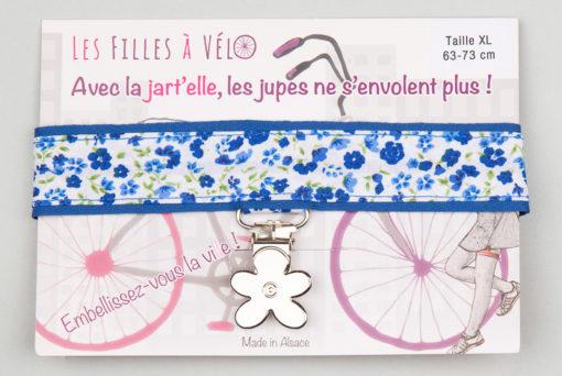 Jart'elle fleur bleue sur bleu, pince fleur qui empêche les jupes de s'envoler à vélo - Les filles à vélo