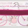 Jart'elle prune sur fond rose, pince rose pale qui empêche les jupes de s'envoler - Les filles à vélo