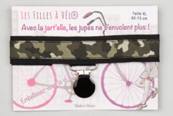 Jart'elle motif camouflage fond noir pince noire qui empêche les jupes de s'envoler à vélo - Les filles à vélo
