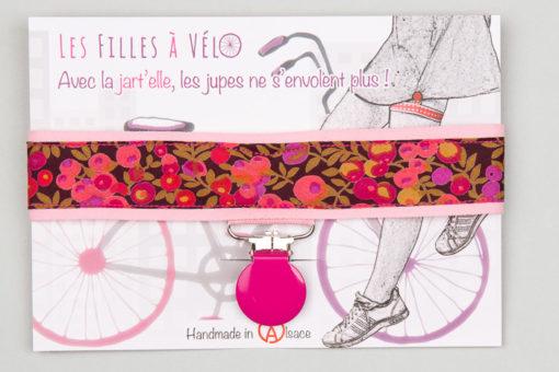 Jart'elle Liberty Wiltshire pince ronde rose qui empêche les jupes de s'envoler à vélo - Les filles à vélo