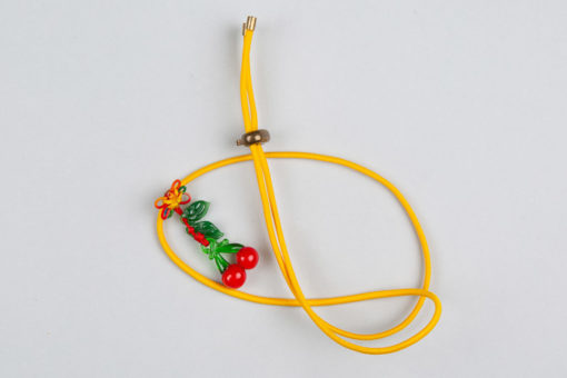 Pantastic jaune déco broderies et perles de verre cerises